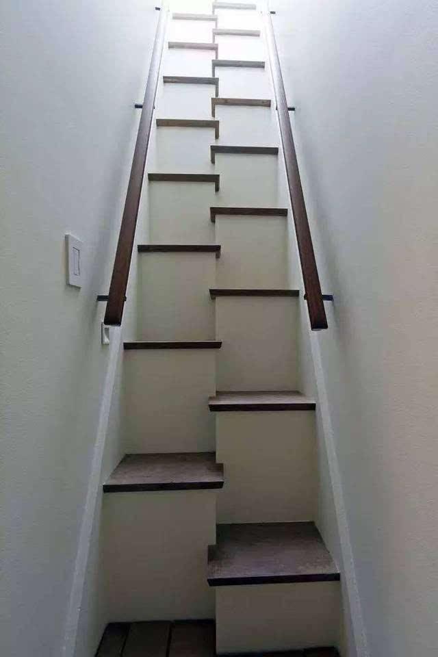 有户外楼梯设计者充分吸收了上面的经验,弄成了这种.