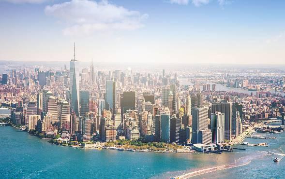长岛湾区催生了世界之都曼哈顿,东京湾区促成了繁华银座商业区,维多利