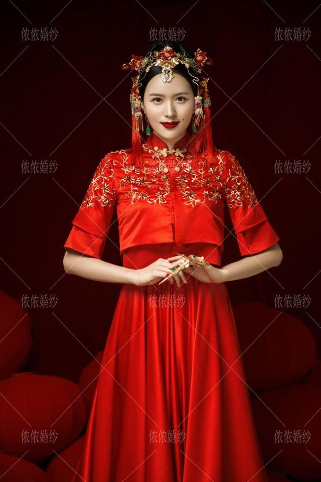 东海婚纱照教你如何选购中式新娘礼服