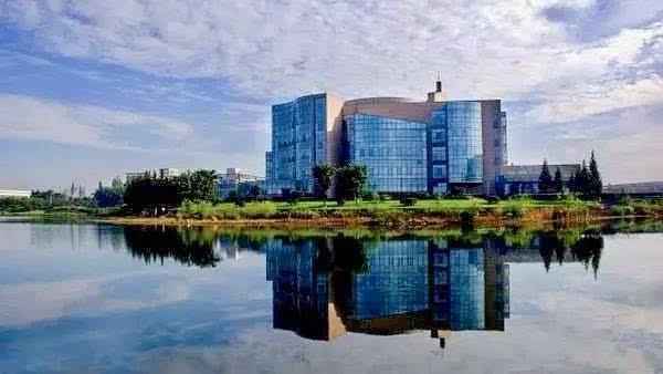 坐标:四川大学江安校区 特点:藏书兼及文理工医,以基础性和综合性为