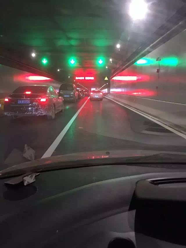 扬子江隧道北连接线工程部分通车,然而……更堵了!