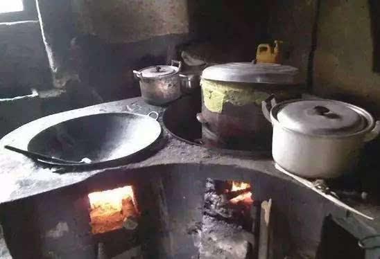 洞口人,乡村里烧柴火灶的日子,你还记得吗?图片