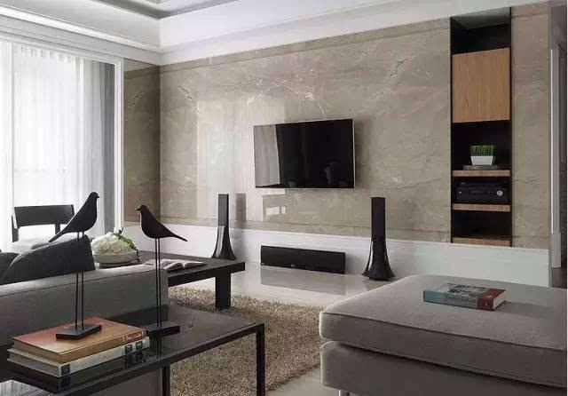 电视背景墙是用石材,木材,壁纸还是大白墙?