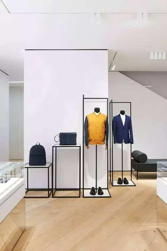 主要可针对店铺的橱窗,展架,收银台以及形象墙进行照明设计.