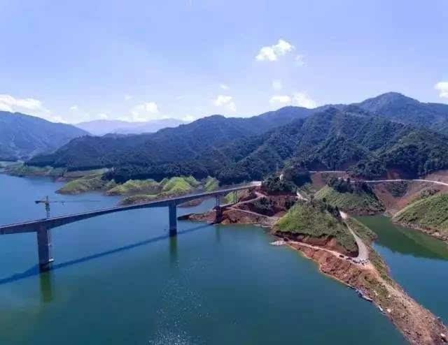 书香意境背景囹�a_【惊艳】看国家一号水利工程涔天河水库蓄水以后有多美