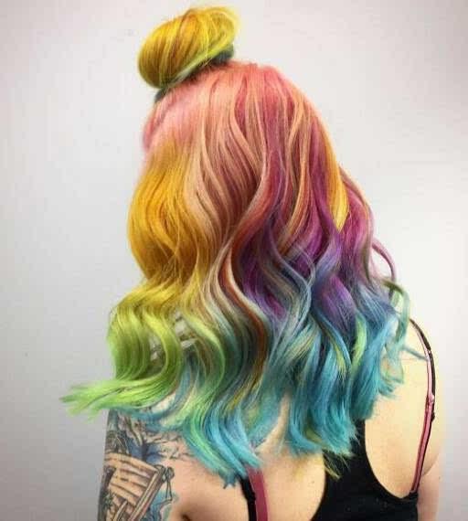 就是彩虹色的发色,令人少女心爆棚 但因为我们是黑头发 染这些颜色之图片