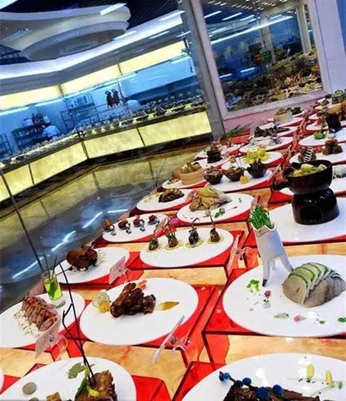 提示和宣传的作用,便于客人点菜,展示餐厅丰富多样的凉菜品种,要做到