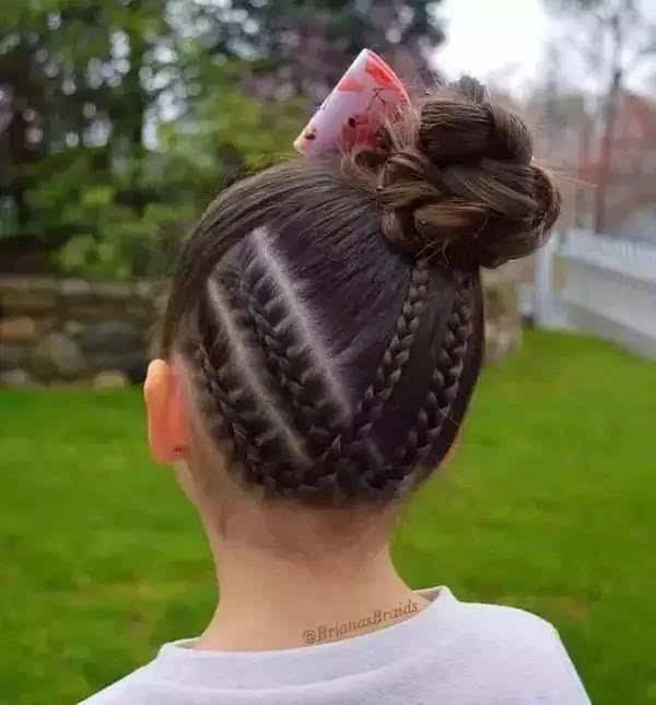 45款小女孩编发发型大全,头顶都能编出花儿!转给家长!