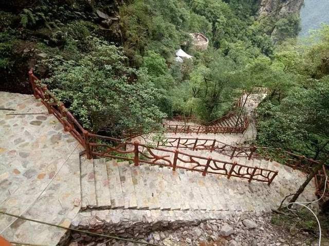 平南这个打造5A级旅游景区的地方,栈道项目开始了.. 期待图片