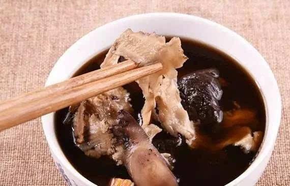 四物汤有味道做法,这次是炖排骨汤的做法,因为多种比较不错,中药味也三八节菜谱图片妇女节图片