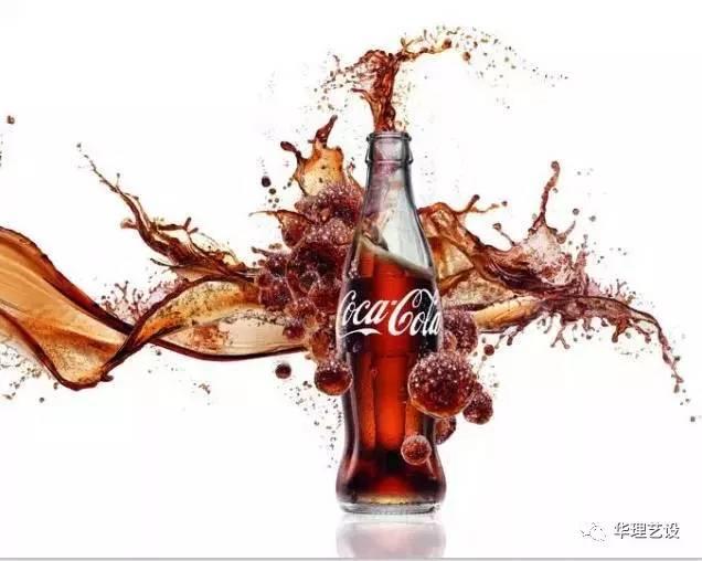 设计大师罗维通过造型的设计,将可口可乐的玻璃瓶铸造成了这样经典的