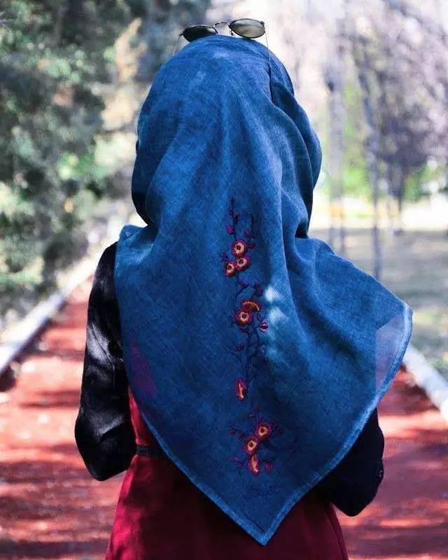 五月头巾戴法第二期 纯色套头款长巾,竟能戴出的四种花样图片