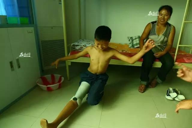 汶川地震截肢少年的9年