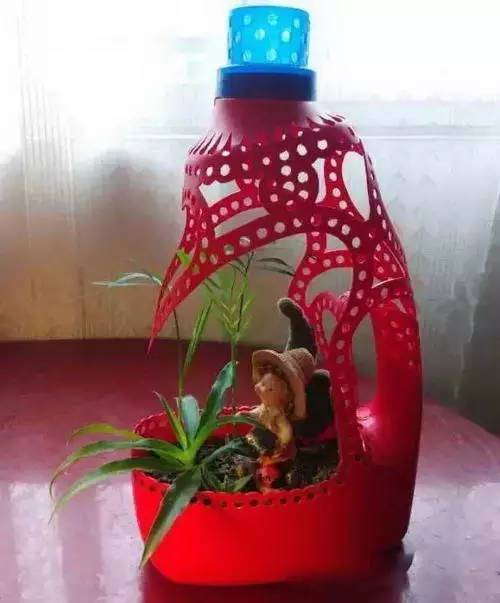 洗衣液瓶变花盆