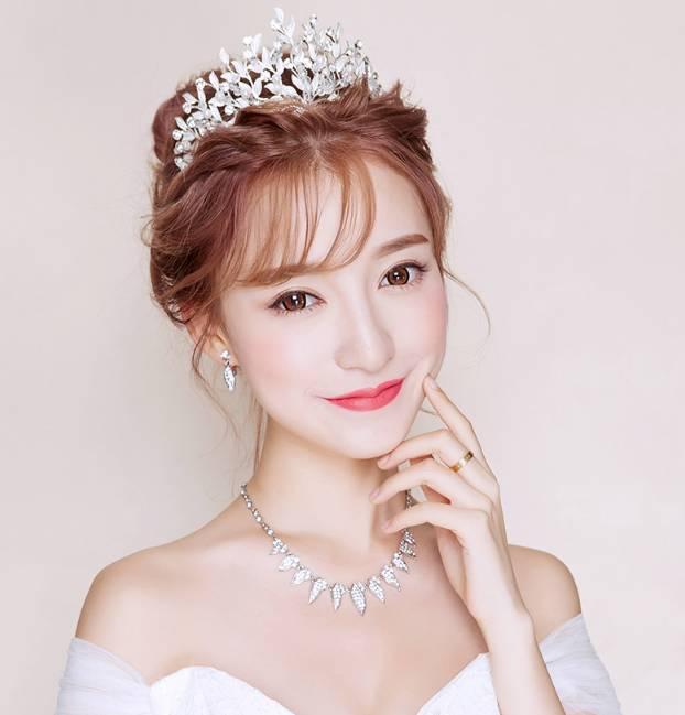 化妆师必看!精美绝伦的皇冠新娘造型图片
