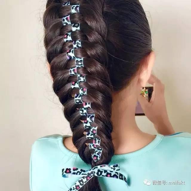 10款最美的彩带编发,今年夏天给你女儿编个漂亮发型