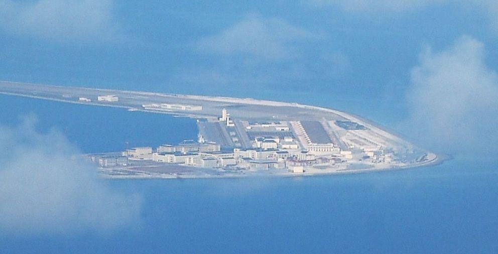 渚碧礁机场已经完全完工,3250米的跑道足以支持重型战斗机大队的运作