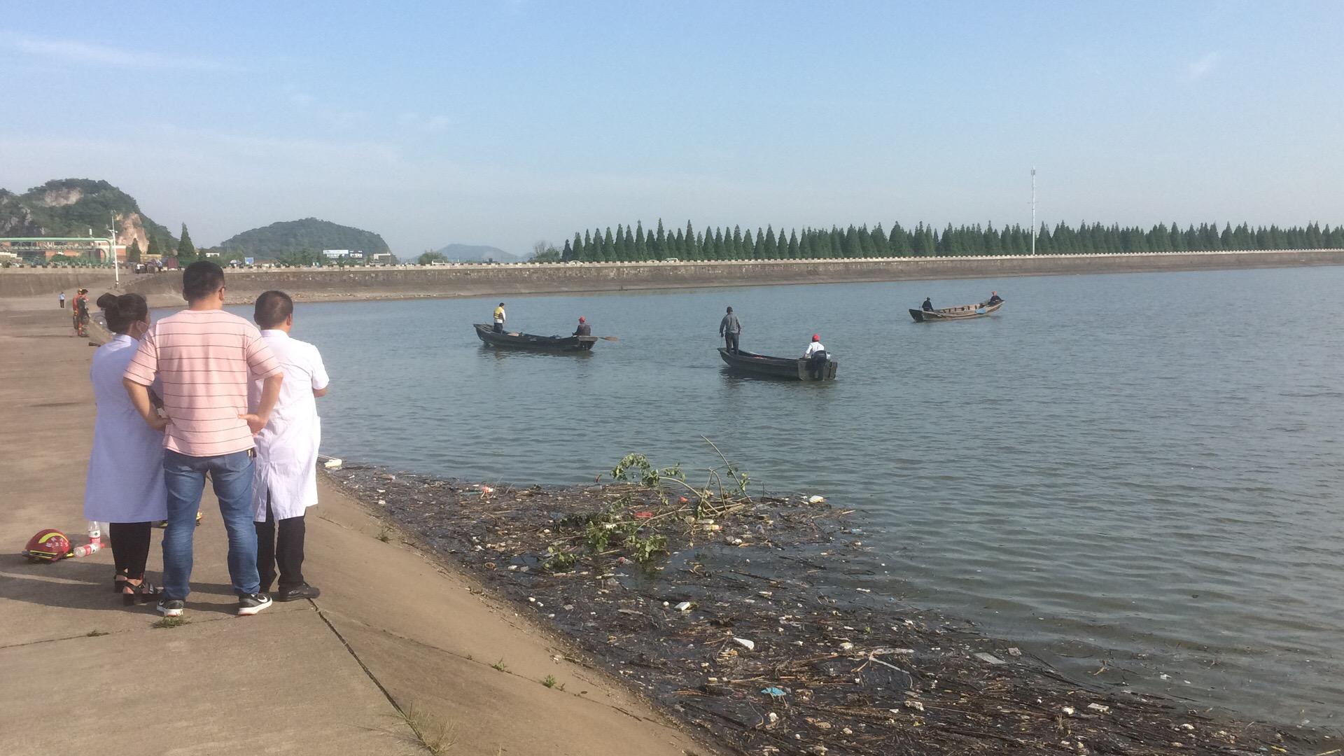 女子坠入汉江溺亡 汉中的哥或因救人致落水失踪(图)-搜狐滚动