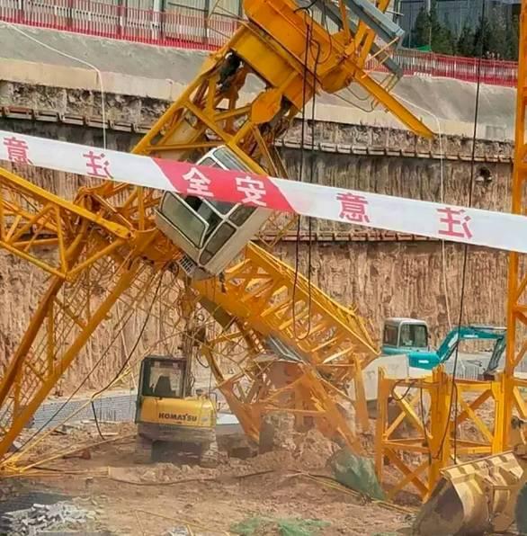 事故播报 2017年5月14日太原南站附近一在建工地塔吊发生倒塌事故