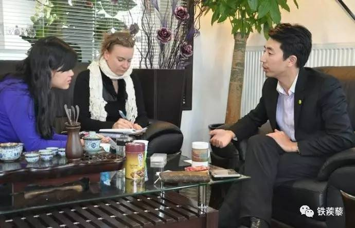 扰陈永青视频_陈永青接受中外媒体记者采访
