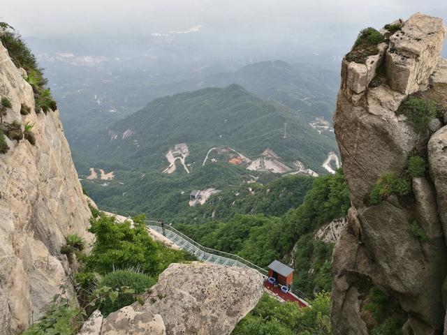 郑州西南3小时 这里山水相依 玻璃栈道观云海!