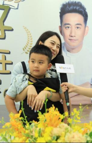 会做饭的熊孩子? 透过黄小厨亲子烹饪大赛思考中国式家庭教育