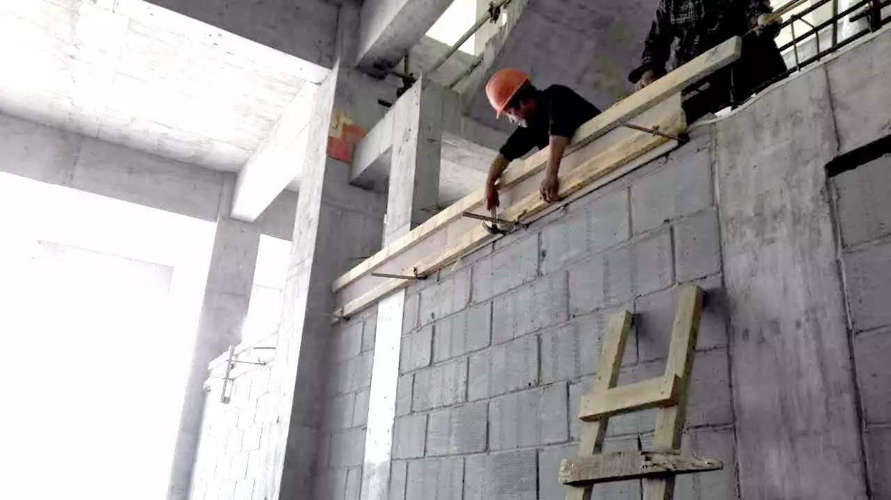 11,商业一层二次结构构造柱,结构梁施工中