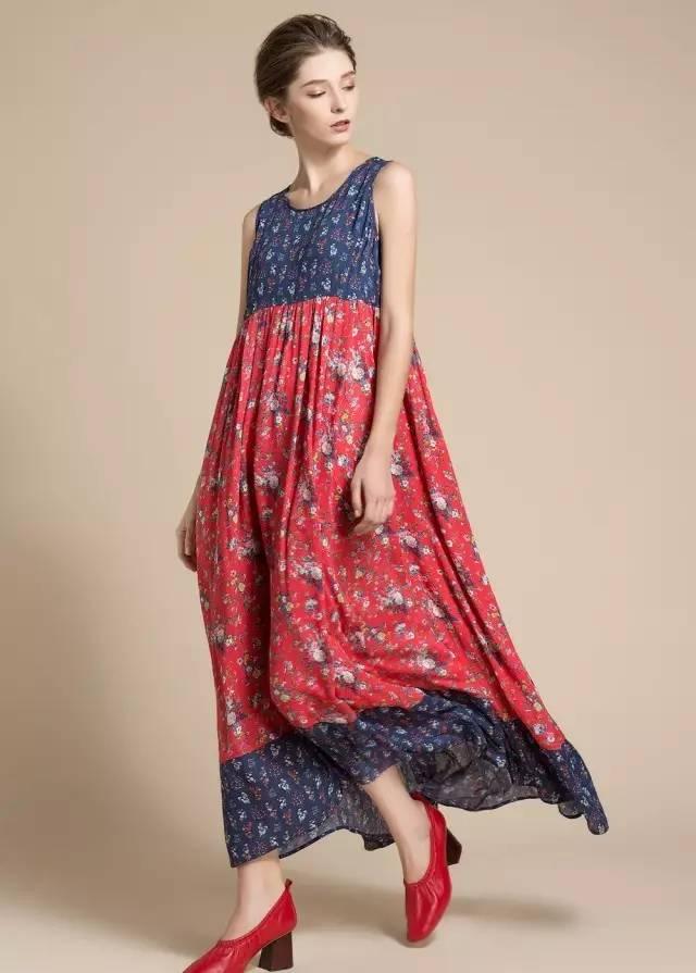 a型的裙子款式图手绘