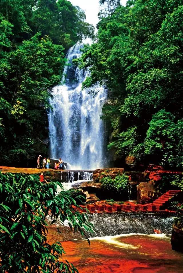旅游 正文  活动行程: d1遵义——赤水大瀑布——燕子岩风景区——