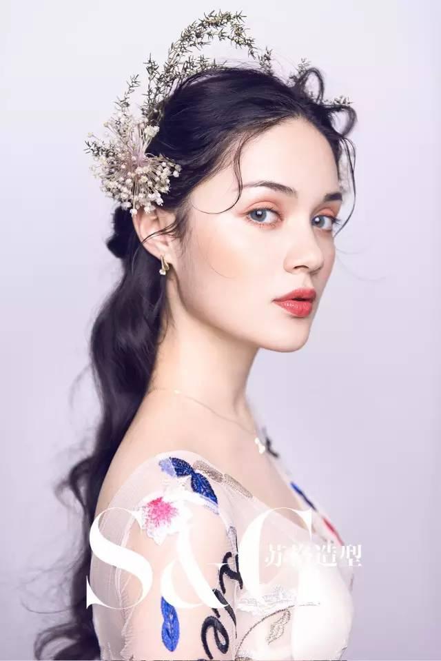 新娘出门,仪式,敬酒造型 给化妆师以灵感!图片