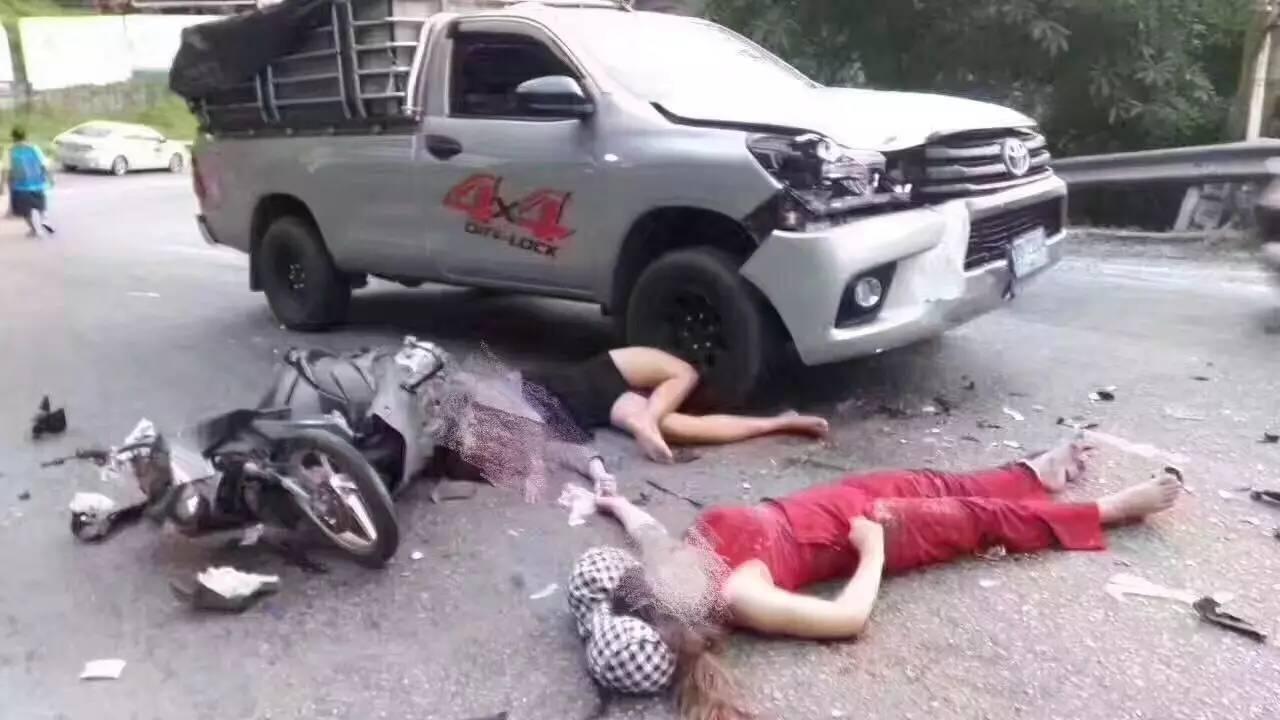 中国车祸视频集锦_卡伦卡塔海滩方向的大长斜坡处,严重车祸,两名中国游客,一死一重伤.