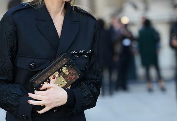 女星街拍必背的包 一看就知道能时髦50年 服饰潮流 图30