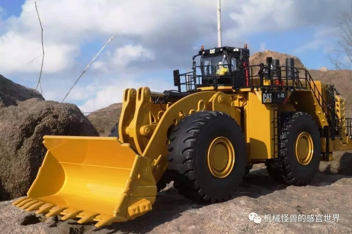 晋的矿山霸主 世界最大的机械传动装载机 CAT 994K