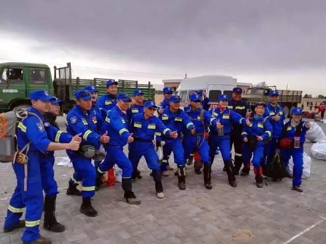医护团队成员由副主任以上医师和优秀护士组成.