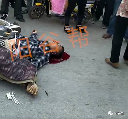 【车祸图】鞍山李台镇视频,又一个骑电动车的当场死亡!旧堡阳谷小学图片