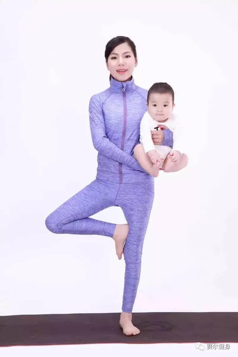 蒋茜茜 梵文名:tulasi 具有近十年瑜伽教学经验,获有瑜伽导师,肚皮舞