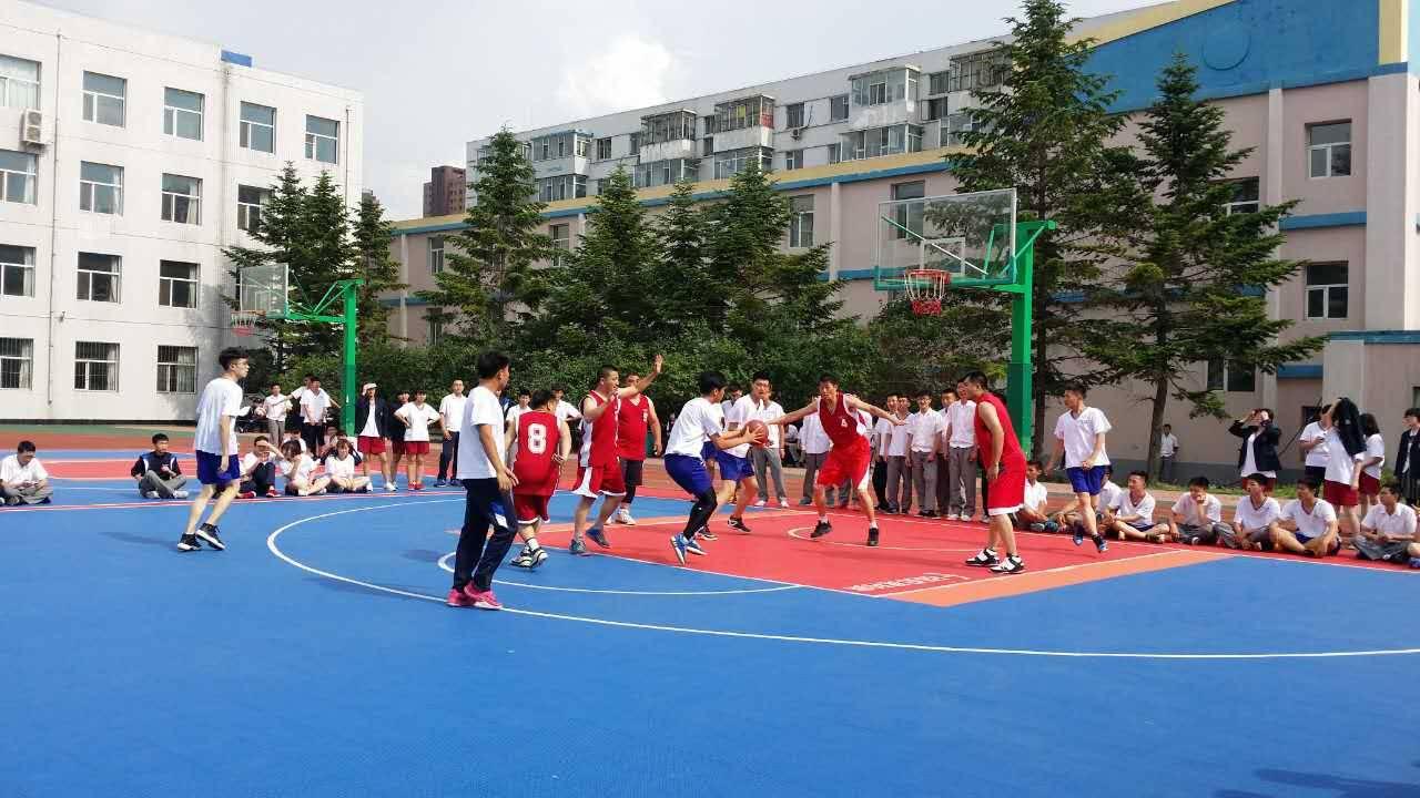 高中�yo�z+���_日章学园长春高中,是省内唯一经吉林省教育厅批准的一所中外合办高中.