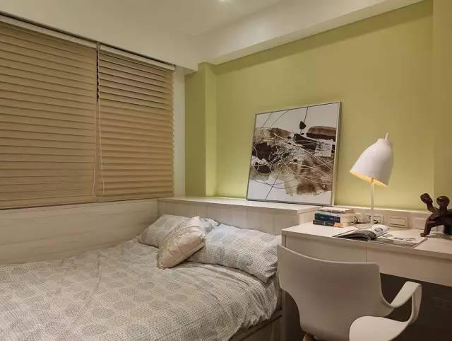 米黄色的床头墙颜色是适合卧室氛围的最佳选择