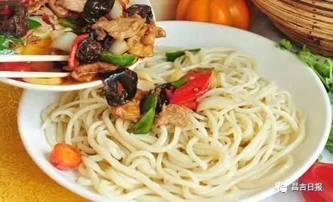 新疆首次评出的 十大美食 十大名菜 是它们