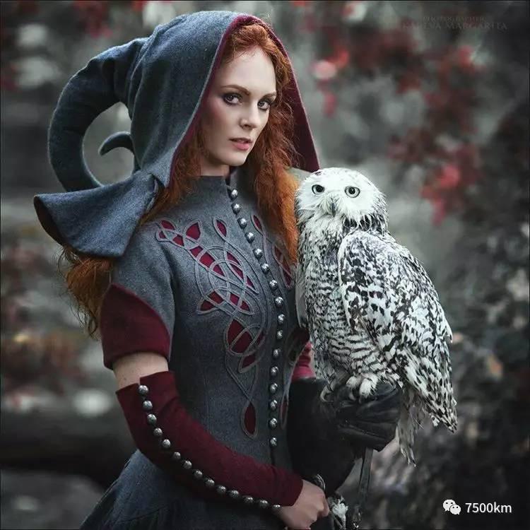 娱乐 正文  俄罗斯美女模特玛格丽塔,花费三年多的时间创作了多组超