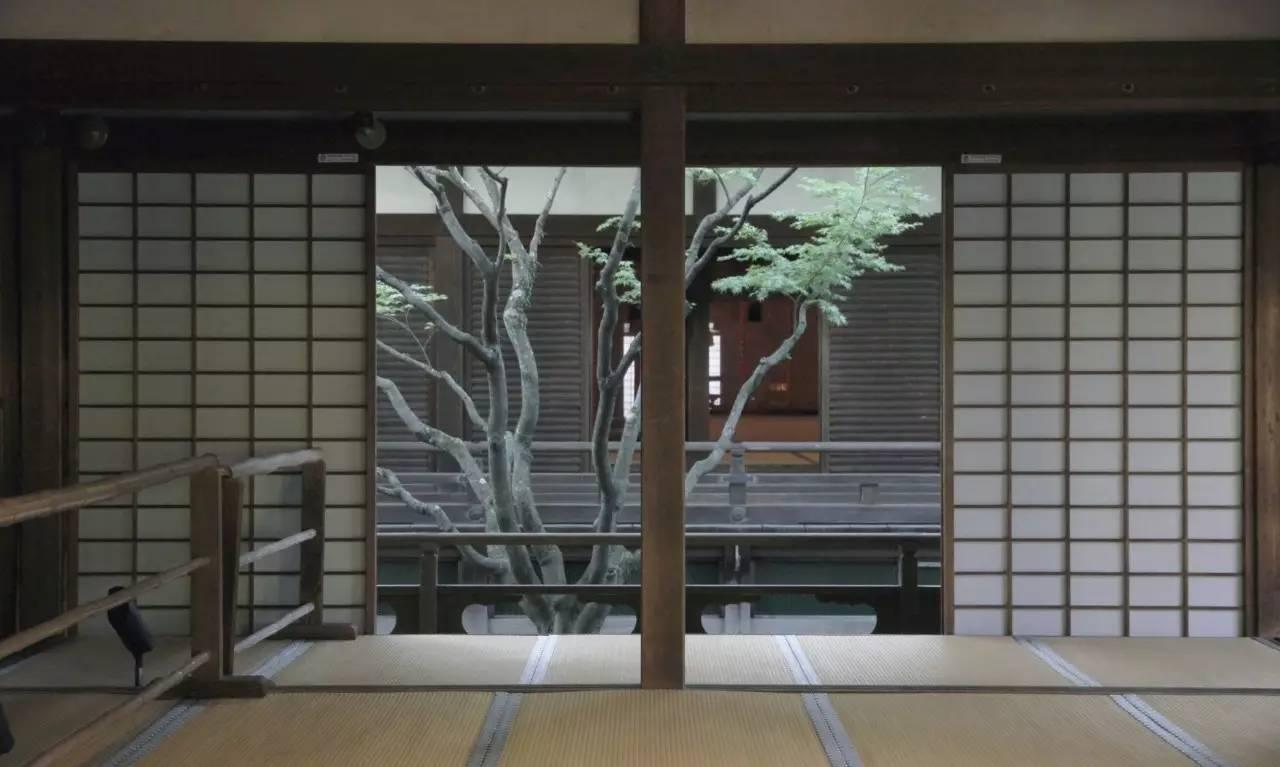 青莲院平面图,所有的建筑部分连廊相接,进入建筑需赤足而行,进出庭院图片