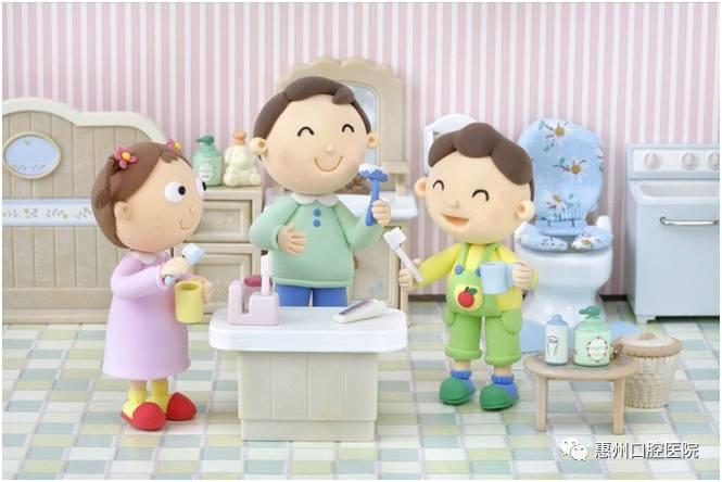 三,早晚刷牙,使用儿童含氟牙膏,掌握刷牙的正确方法,才能打败牙虫怪