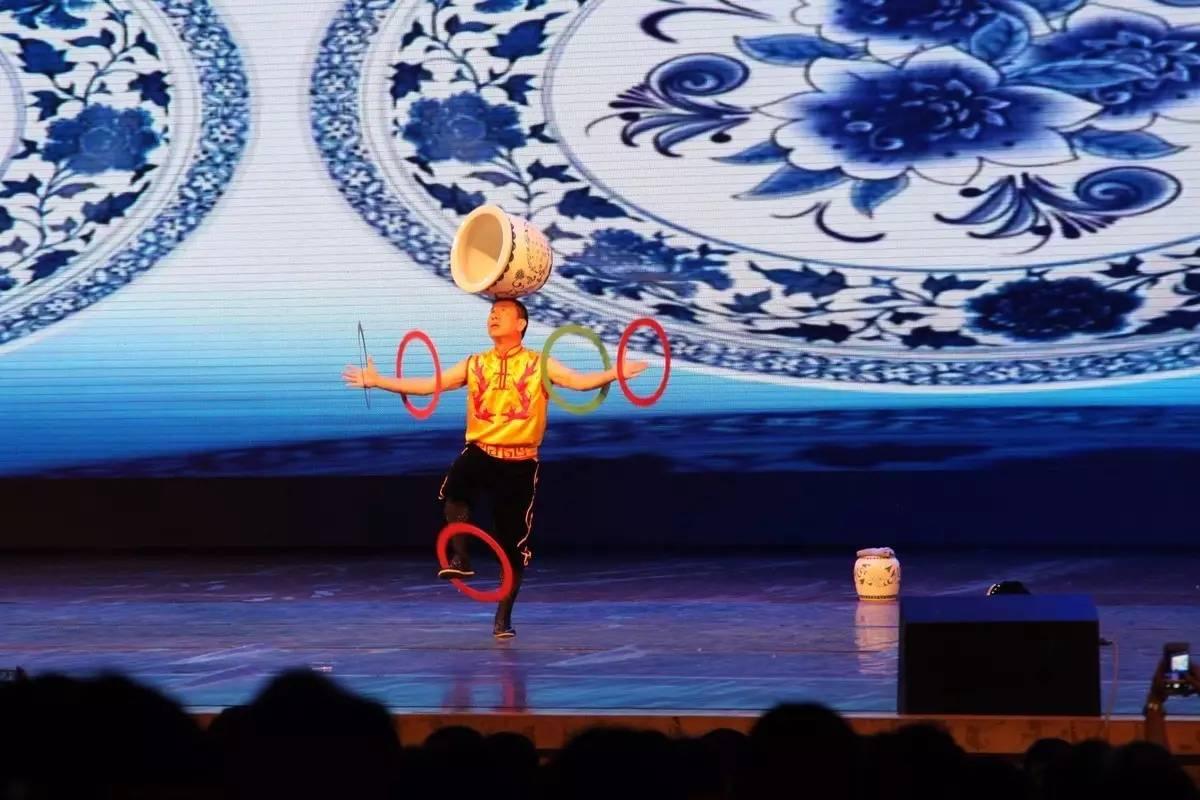 文化 正文  歌舞《美丽中国梦》 ▍编辑:创研部 南国文艺精彩回顾