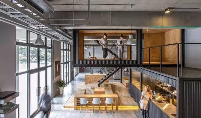 集装箱成为室内空间设计元素 除了居住,集装箱遇见大面积的办公空间