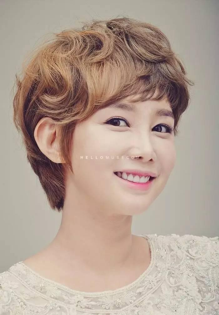 【2017韩式新娘发型】无论短发长发,现在就告诉发型师