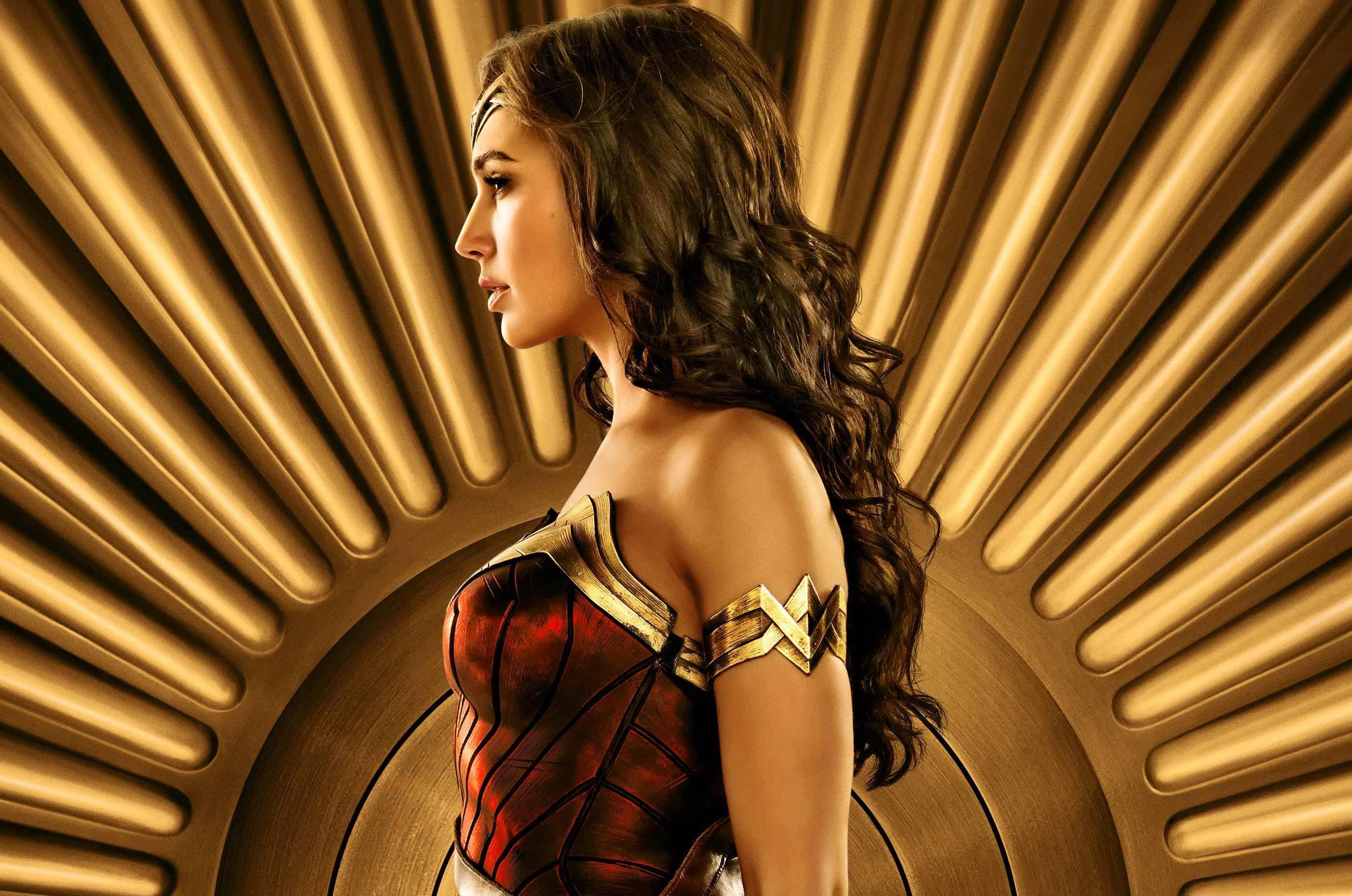《神奇女侠》IMAX海报曝光 刚柔并济展示女性力量