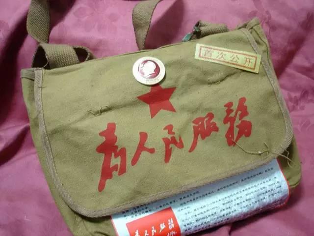军绿书包是70年代孩子们的lv图片