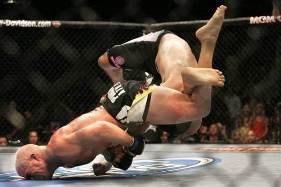 开场勇猛无比的他,却被对手这一罕见大招秒杀了!