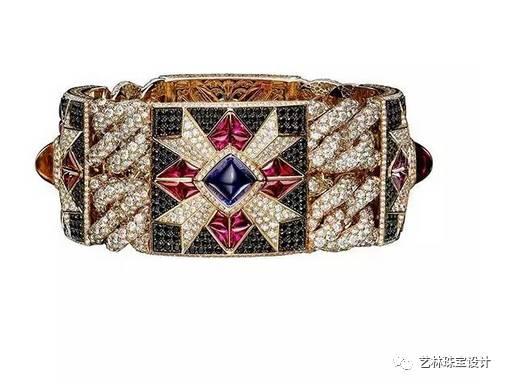 bodino,从精致梦幻的珠宝设计中,不难发现设计师对意大利文化的热爱