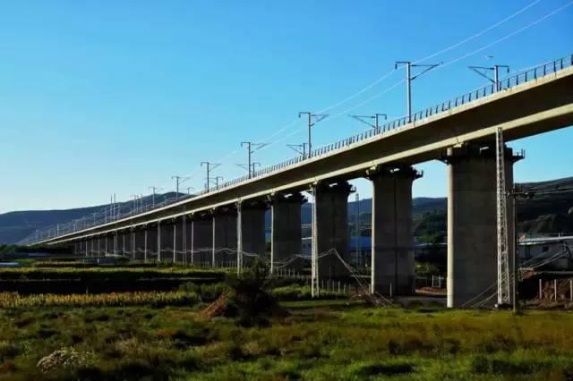 宝兰高铁列车时刻表,以后从天水去全国各地都方便了高清图片